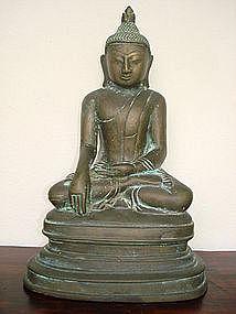 Extremely rare Bronze Post Pagan Shakyamuni Buddha