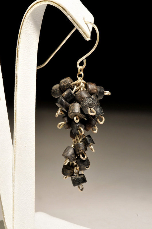 Ancient Roman black stone beads earrings, 100 AD