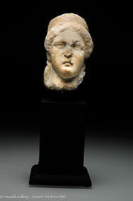 Roman marble head a woman, 100 AD