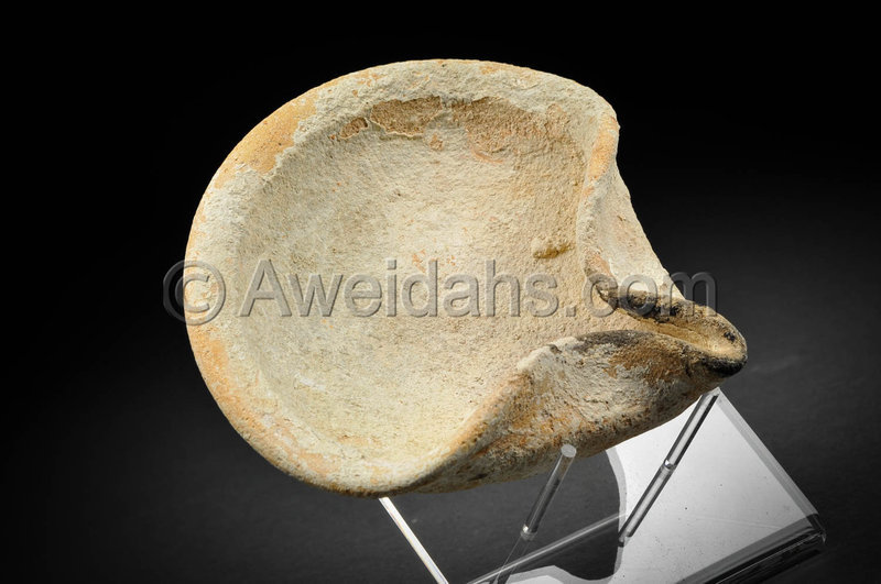 Ancient biblical Iron Age pottery oil lamp, 1000 BC