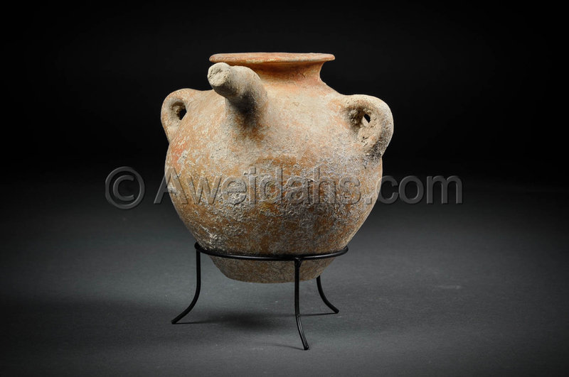 Canaanite Early Bronze Age burnished pottery spouted vessel, 3100 BC