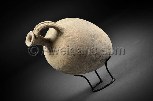 Biblical Middle Bronze Age pottery perfume jar, 1850 BC