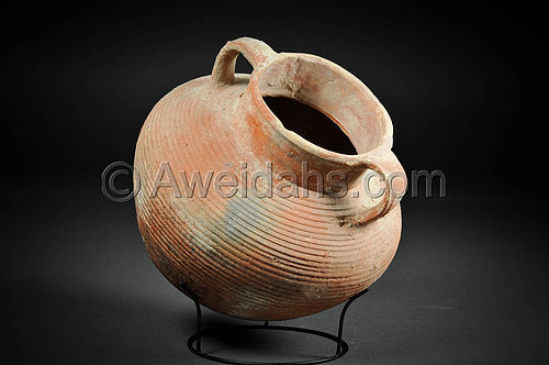 Biblical Roman Herodian pottery jar with a ribbed body, 37 BC - 70 AD