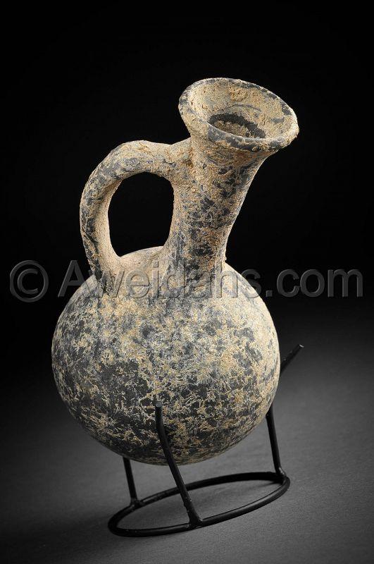 Phoenician pottery jar, Iron Age, 1000 - 700 BC