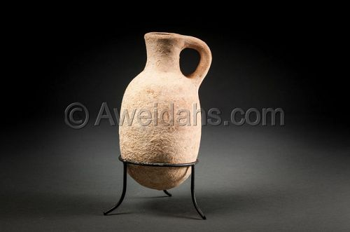 Ancient biblical Iron Age pottery oil juglet, 1000 BC