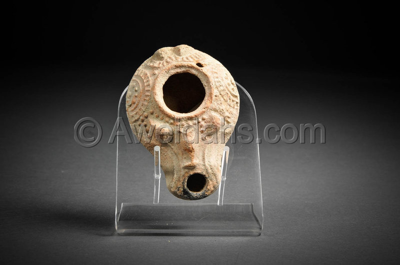 Roman highly decorated terracotta oil lamp, 200-300 AD