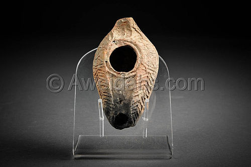 Late Roman decorated pottery oil lamp, 400 AD