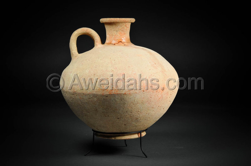 Canaanite Late Bronze Age pottery wine pitcher, 1550 BC