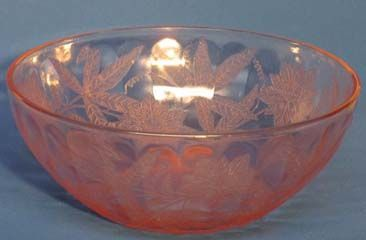 "Jeannette Floral (Poinsettia) 7.5"" Bowl, pink"