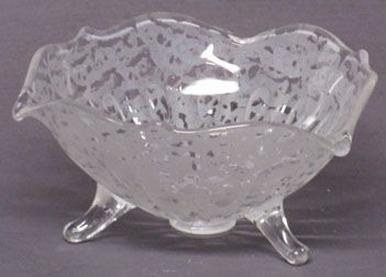 "Fenton 6"" Ming Etched Bowl"