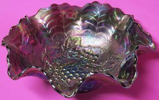 """Northwood Carnival Grape and Cable 10.5"""" Bowl"""