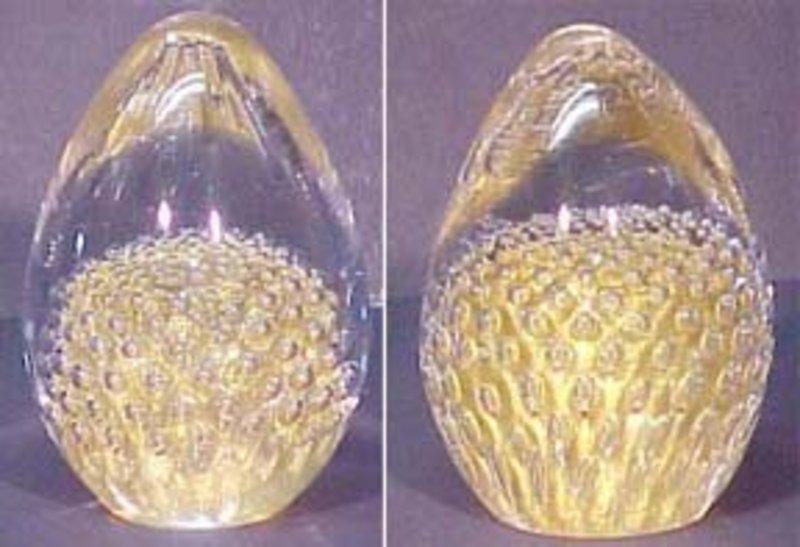 Egg Artglass Paperweight - Controlled Bubble