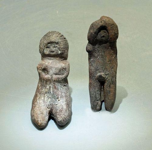 2 Valdivia Figures