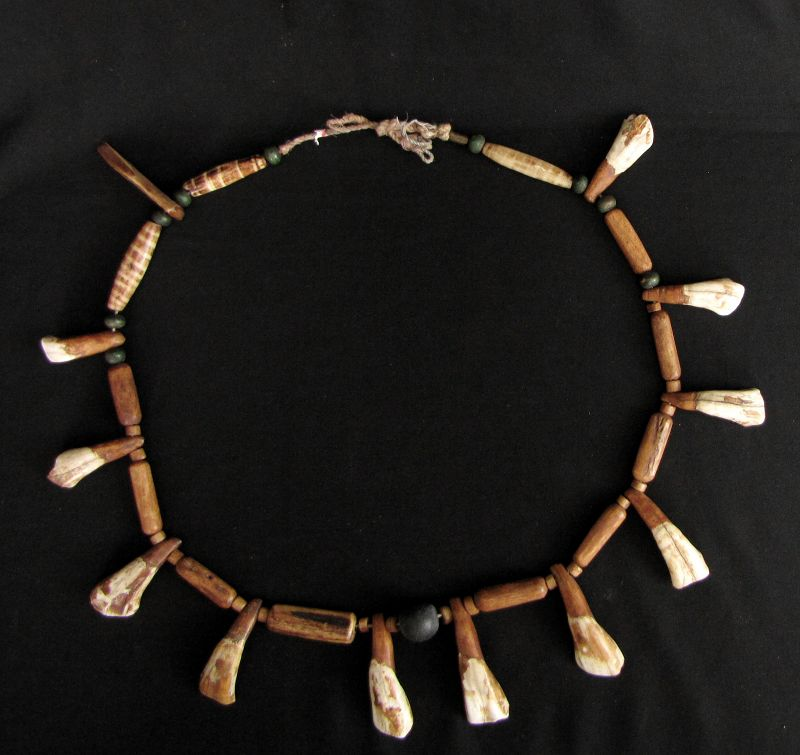 Chin Animal Bone Necklace