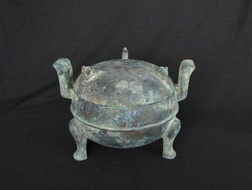 Han Dynasty Bronze Ding  漢� �