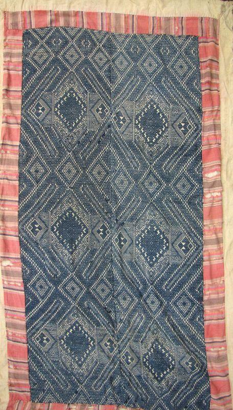 Tai Dam Blanket