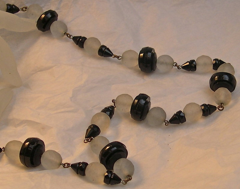Vintage Deco Black French Jet Frosted Crystal Glass Necklace