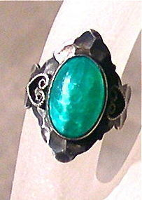 Vintage Unsg'd Sterling Green Jade Peking Art Glass Ring