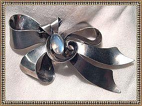 Walter Lampl Sterling Silver Retro Bow Pin Moonstone