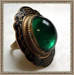 Vintage Art Deco Flapper Gold Gilt Brass Ring Green Glass Cab