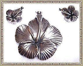 Vintage Ming's of Honolulu Sterling Hibiscus Floral Pin Set