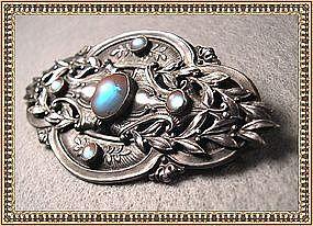 Vintage Victorian Antique Saphiret Sash Pin Art Glass