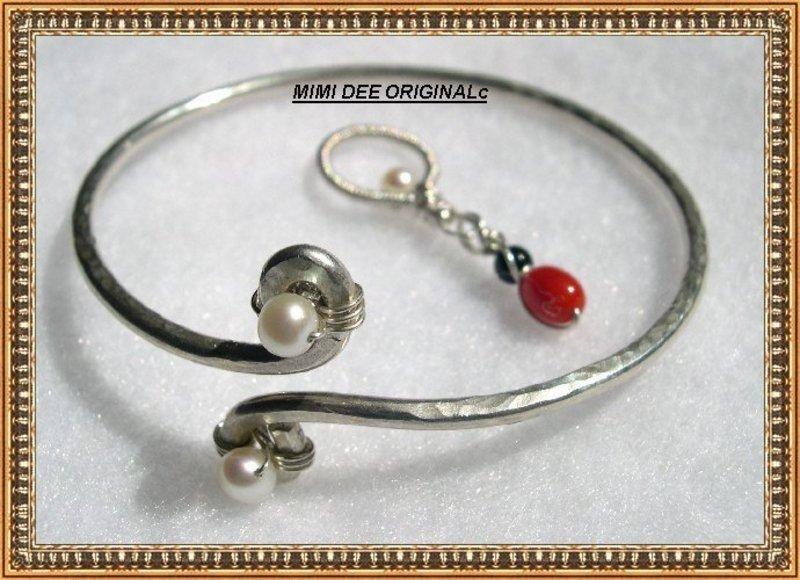Signed Mim Dee Sterling Hammered Crossover Bangle Bracelet