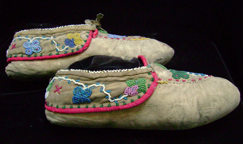 Iroquois Beaded Hide Floral Moccasins