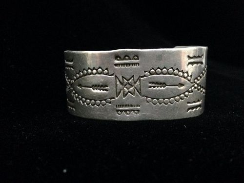 Coin Silver Bracelet ca. 1920-1930 with Geometric Arrow Motifs