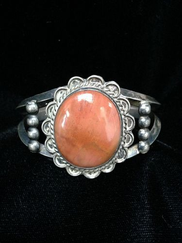 Navajo Bracelet with oval setting of agate or petrified wood