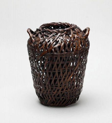 Japanese old bamboo flower basket by Hayakawa Shokosai Ⅲ