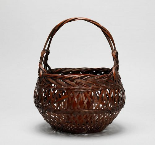 Japanese bamboo  flower basket by Hayakawa Shokosai Ⅲ