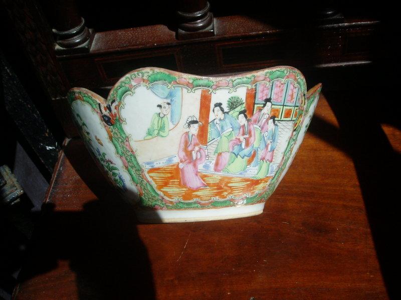 Chinese Rose Medallion Bowl Porcelain ca 1860s