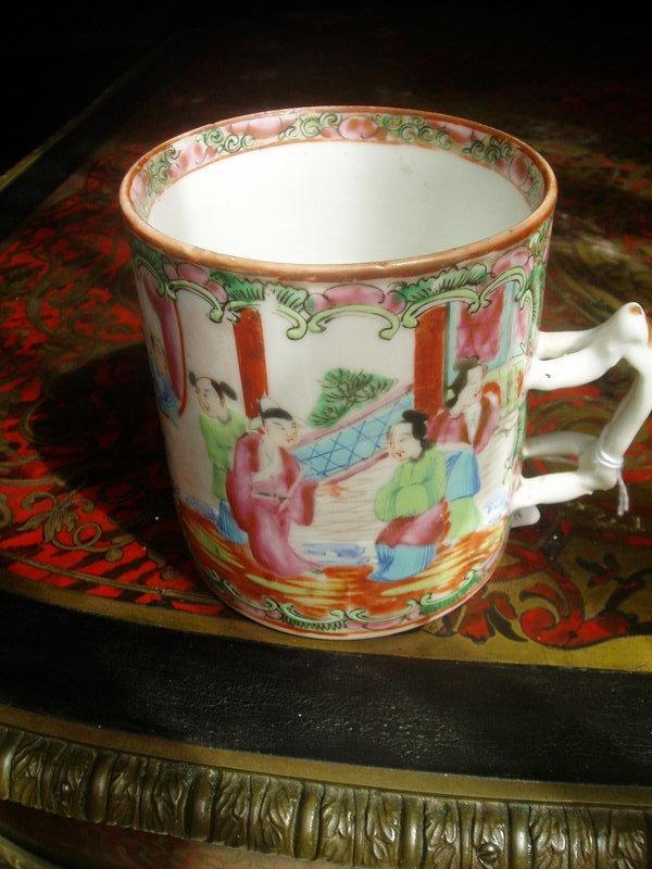 Chinese Rose Medallion porcelain Mug 1860