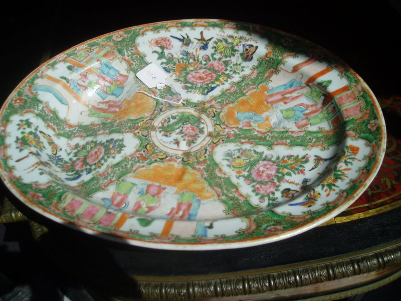 "Lge Chinese Rose Medallion 19"" Footed Platter 1860"