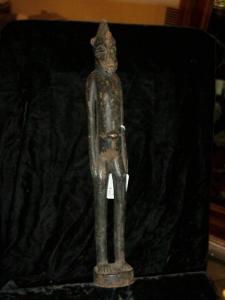 Senofue male figure