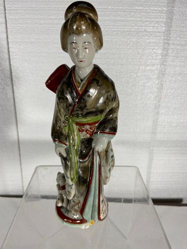 Antique 10 inches, 25 centimeters tall, Japanese Imari  Geisha figure.