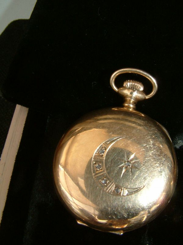 Antique 14K solid Gold & 5 Diamonds WALTHAM full hunter pocket watch.