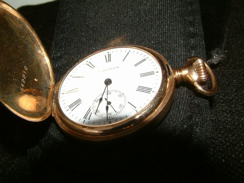Antique 14K solid Gold & 5 Diamonds WALTHAM full hunter pocket watch.