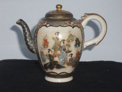Antique Japanese Satsuma miniature tea pot sake pot perfect condition.