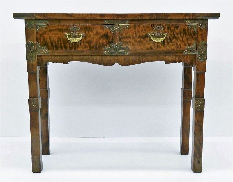 Beautifully Grained Antique Korean Side Table