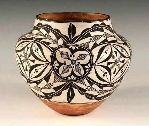 Early Acoma Black on White Coiled Pottery Olla