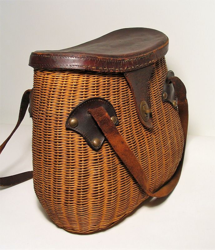 Wicker Fishing Creel with Leather Lid
