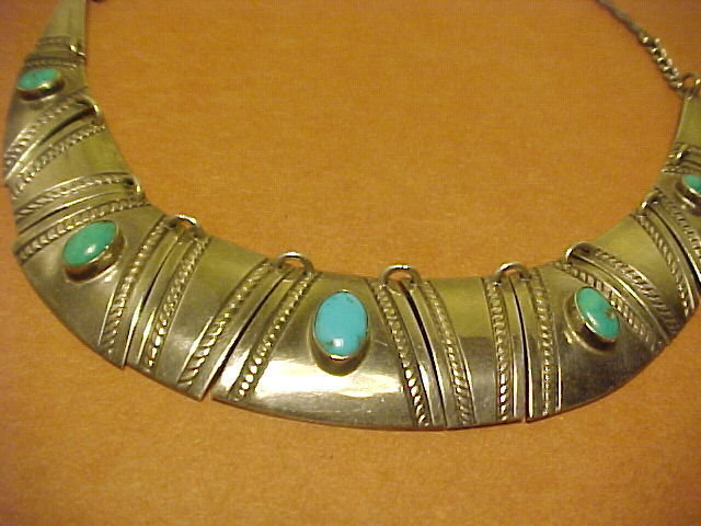 NAVAJO FRED THOMPSON STERLING TURQUOISE NECKLACE