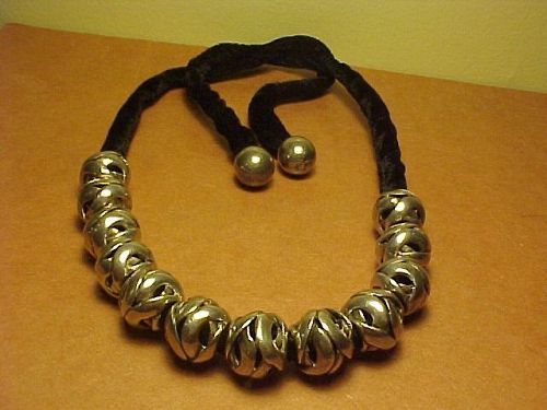 ANTONIO PINEDA 970 SILVER CARVED BEAD NECKLACE