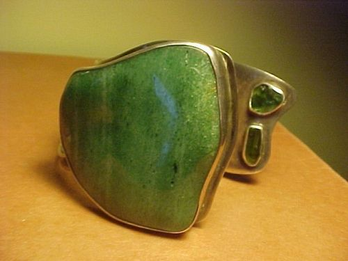 GORGEOUS MODERNIST H. FRED SKAGGS STERLING CUFF WITH AVENTURINE