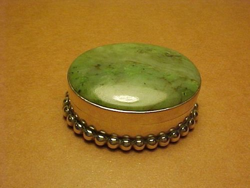 VINTAGE H. FRED SKAGGS STERLING  GREEN AGATE PILL BOX
