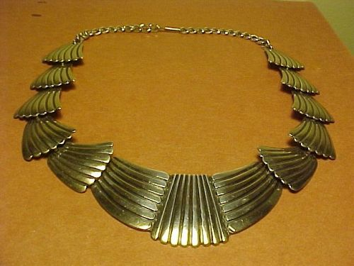 VINTAGE NAVAJO GEORGE KEE STERLING NECKLACE WHITE HOGAN