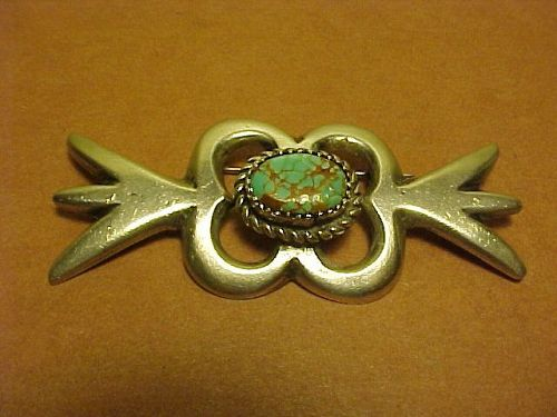 VINTAGE NAVAJO ARTS AND CRAFTS GUILD STERLING TURQUOISE PIN