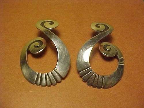 NAVAJO DEBBIE SILVERSMITH STERLING SWIRL MOTIF EARRINGS